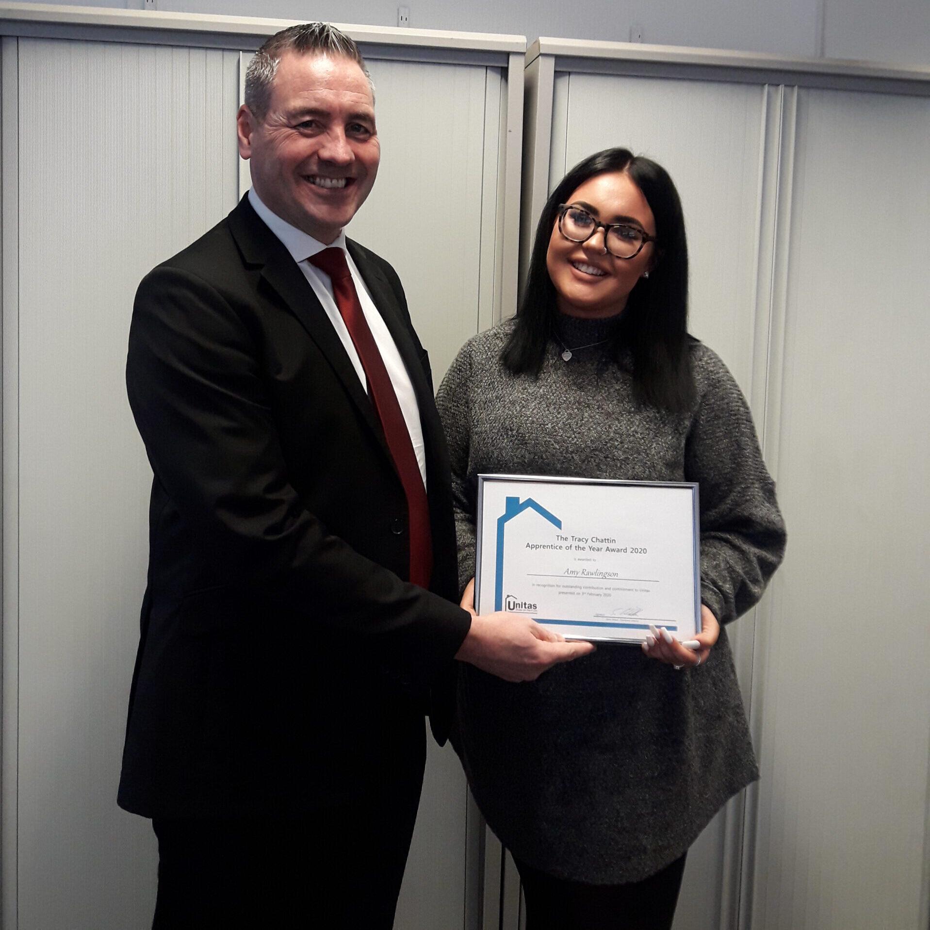 Amy Rawlingson receiving apprenticeaward